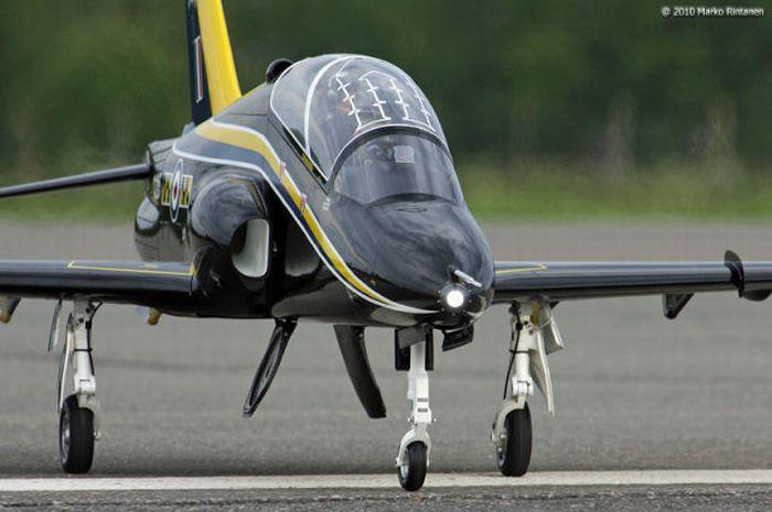 Show Flight of BAE Hawk (28 pics)