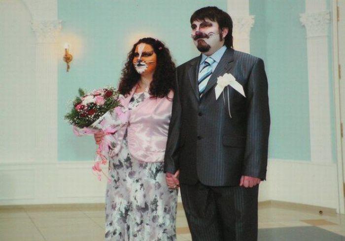 Strange Wedding (20 pics)