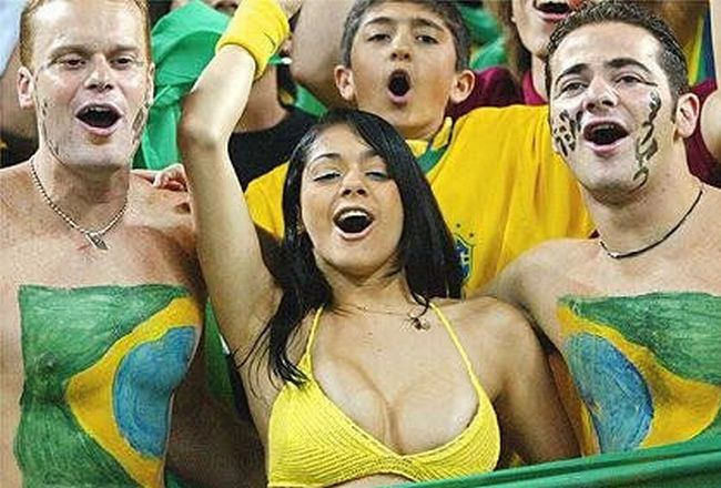 The Most Famous Brazilian Fan of 2002 (9 pics)