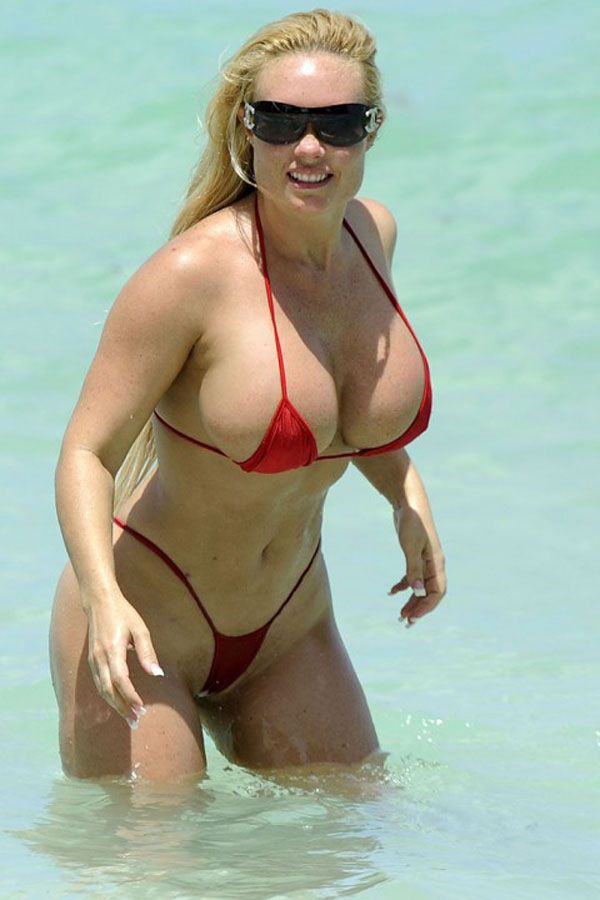 Sultry MILF in bikini Anny Lee scores a big black dick in the pool № 1083460 бесплатно