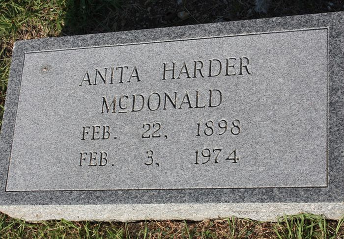 Grave Coincidences and Unfortunately Named People (50 pics)