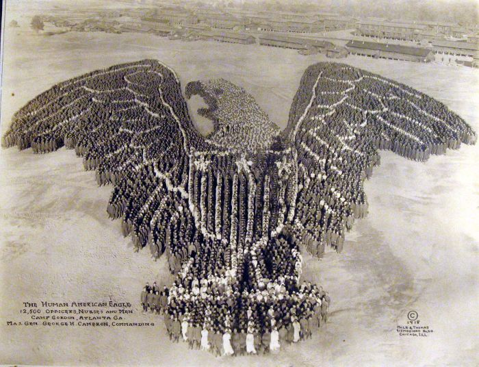 Pictures Formed by Thousands of US Soldiers (17 pics)