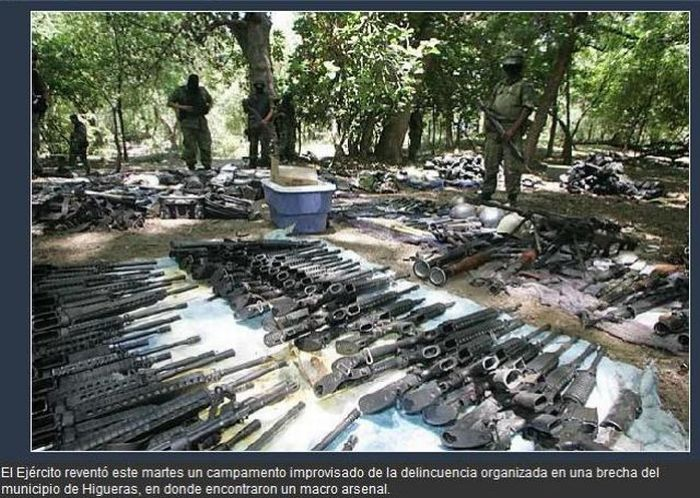 Weapons of a Mexican Drug Cartel (30 pics)