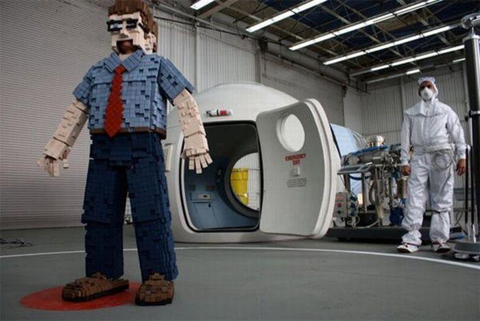 An 8-Bit Pixelated Costume (11 pics)