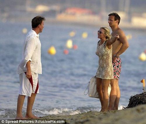 Geri Halliwell is Jealous (5 pics)