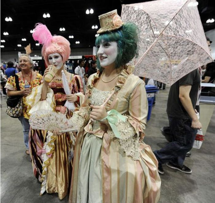 People From Manga and Cosplay Convention in Los Angeles (55 pics)