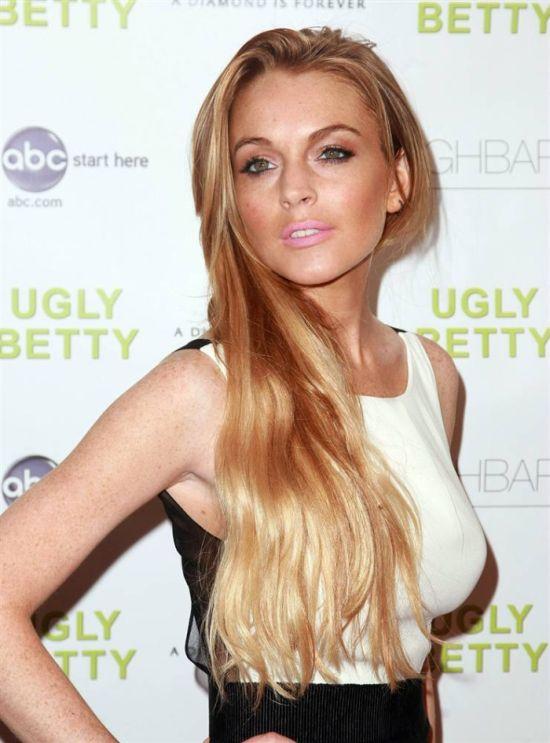 Lindsay Lohan 1998 - 2010 (32 pics)