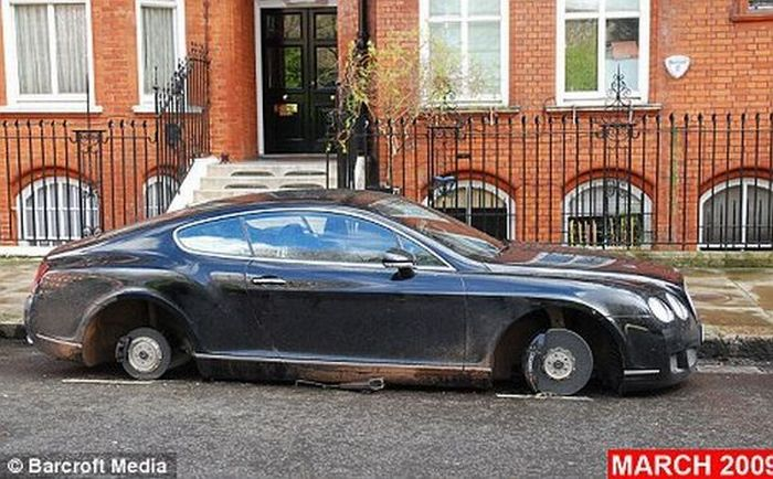 The Most Unlucky Bentley Car in the UK (3 pics)