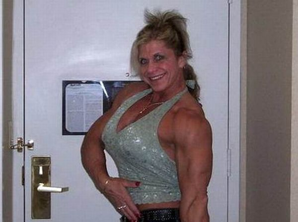 Very Strong Woman (18 pics)