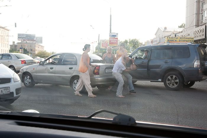Road Rage On The Streets of Moscow (12 pics)