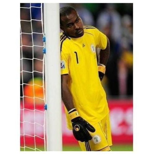 The Calmest Goalkeeper of World Cup 2010 (6 pics)