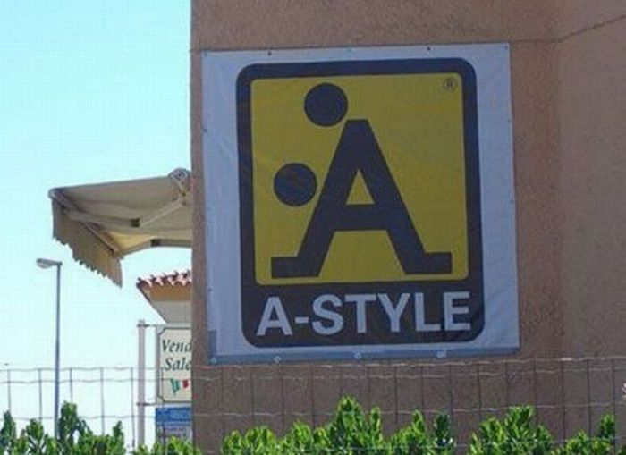 Unintentional Sexual Signs (11 pics)