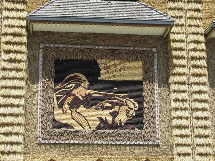 The Mitchell Corn Palace (10 pics)