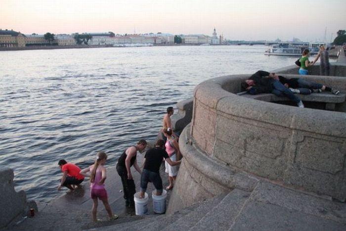 Mafia Style Prank in Russia (10 pics)