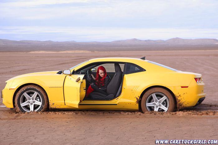 Car Stuck Girls. Part 2 (65 pics)
