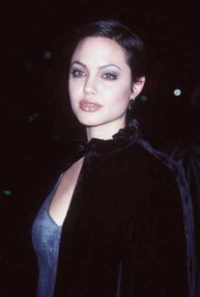 Angelina Jolie's Aging Timeline  (27 pics)