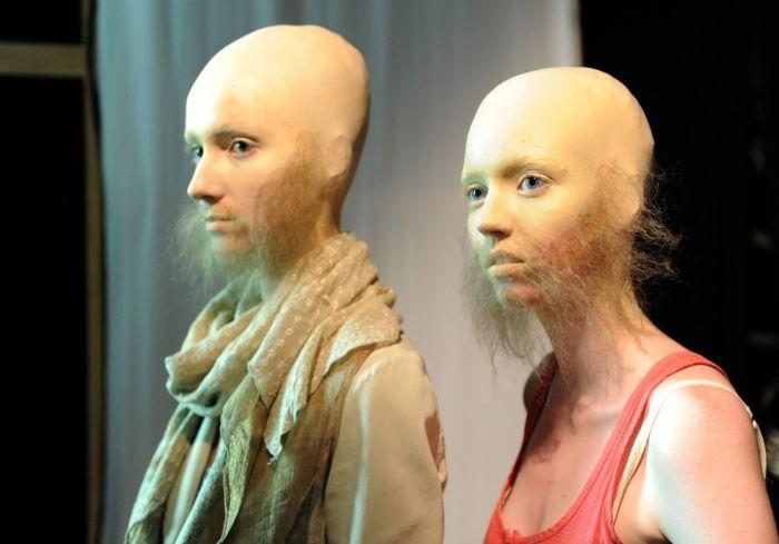 WTF? Bold Models With Beards (15 pics)