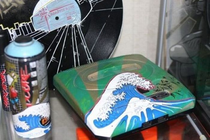 Painted Game Consoles (25 pics)