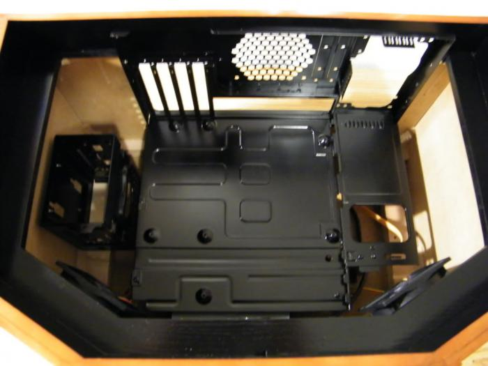 Case Mod. PC Inside a Turntable (26 pics)