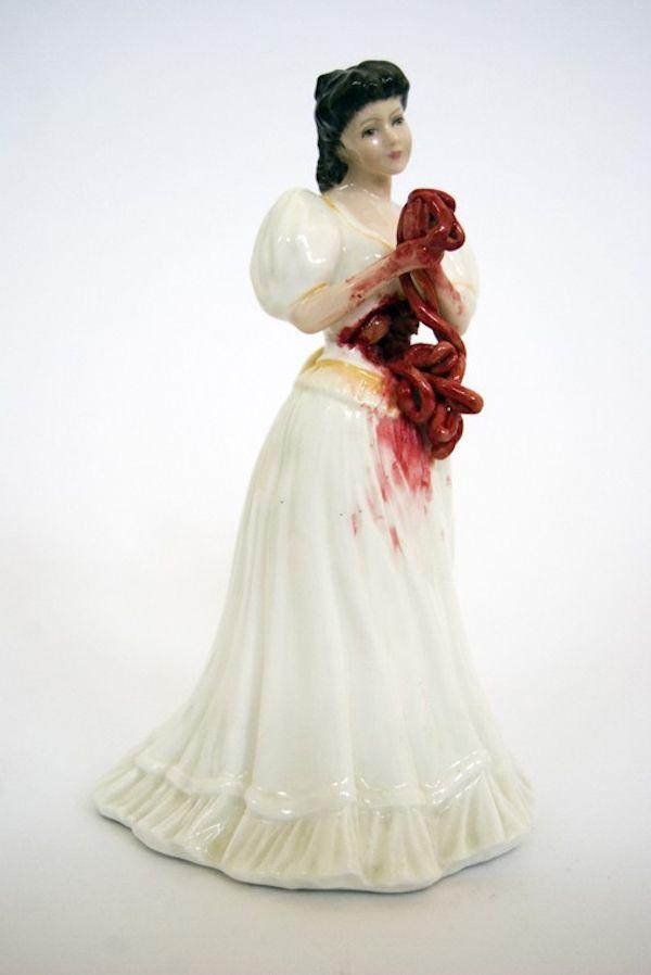 Crazy Porcelain Statues (6 pics)