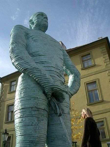 Adult Statues (31 pics)