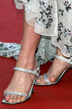 celebrities with ugly feet 21 pics