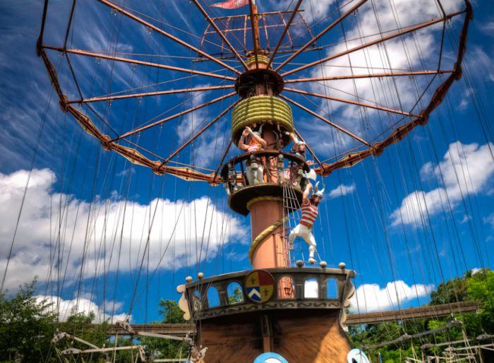 Asian battlefields converted to amusement parks mine