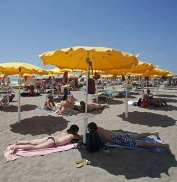 Extremely Hot Summer Around the World (77 pics)