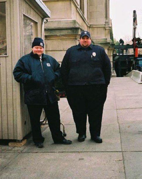 Fat Cops (14 pics)