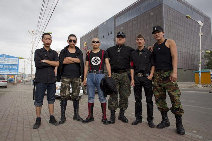 Mongolian Skinheads (6 pics)
