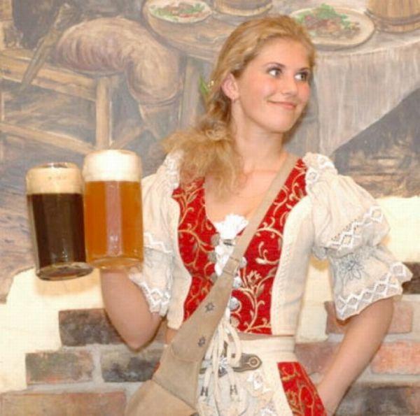 Hot Oktoberfest Lederhosen Babes 45 Pics-8547
