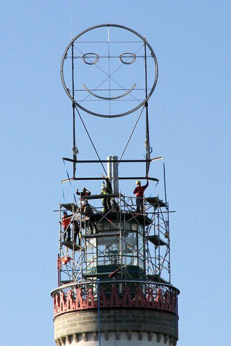 Smiling Light House in German Lindau (5 pics)