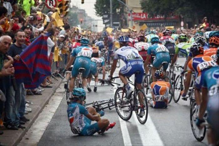 Tour de France Crashes (20 pics)