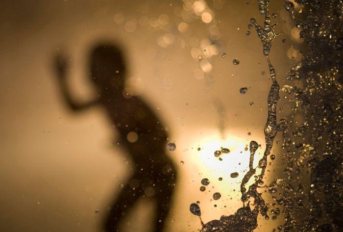 In Silhouette (37 pics)