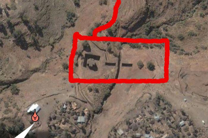 Nintendo Controller Church in Ethiopia (3 pics)
