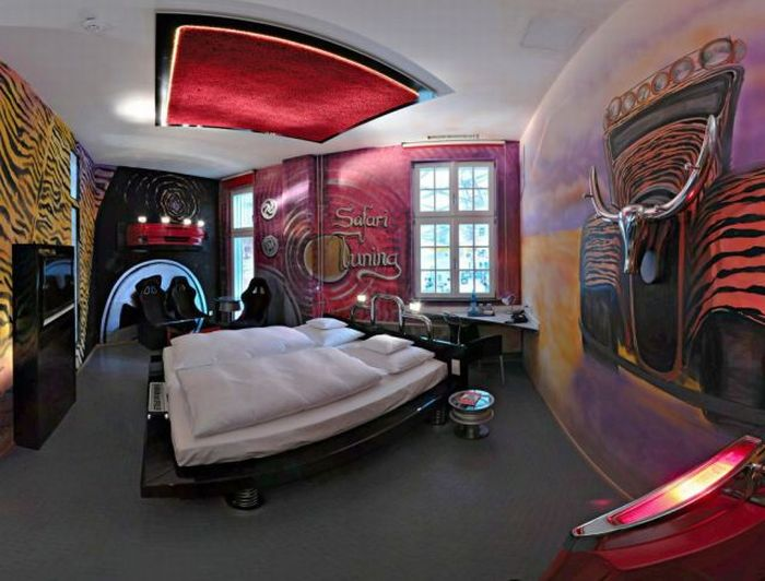 Car Hotel in Stuttgart, Germany (19 pics)