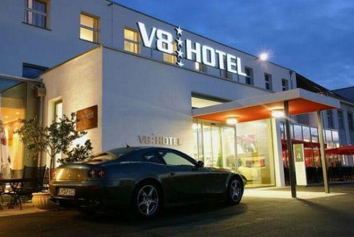 Car Hotel in Stuttgart, Germany (19 pics)