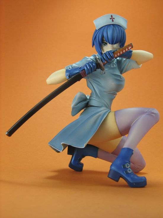 Hot Female Anime Figures (33 pics)