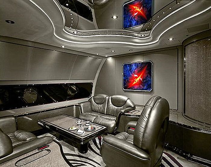 Inside the Planes of World Leaders (11 pics)