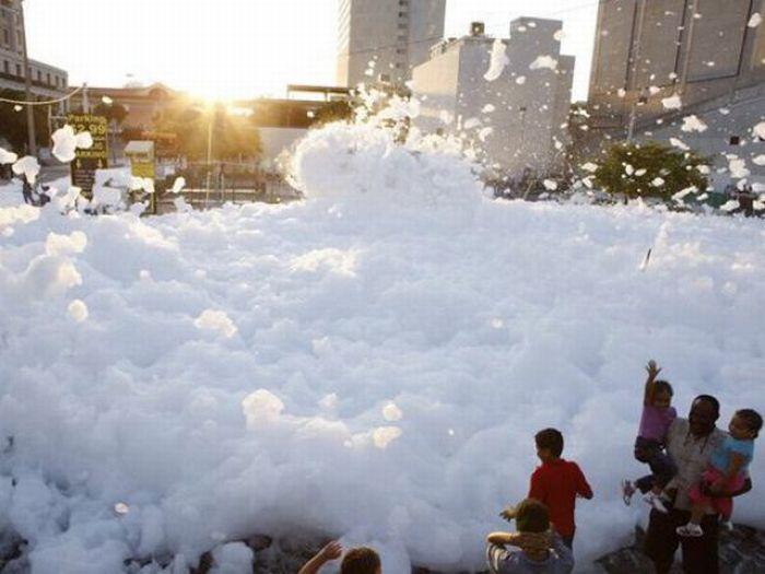 Foam Street Party in Miami (22 pics)