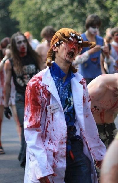 Zombie Walk in Saint Petersburg, Russia (85 pics)