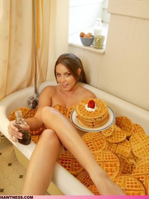 Hot Girls Doing Strange Things. Part 3 (50 pics)