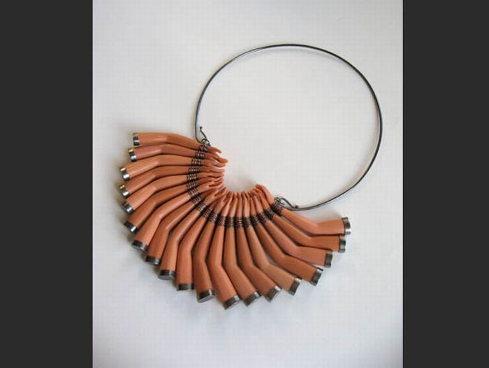 Unusual Necklaces (18 pics)