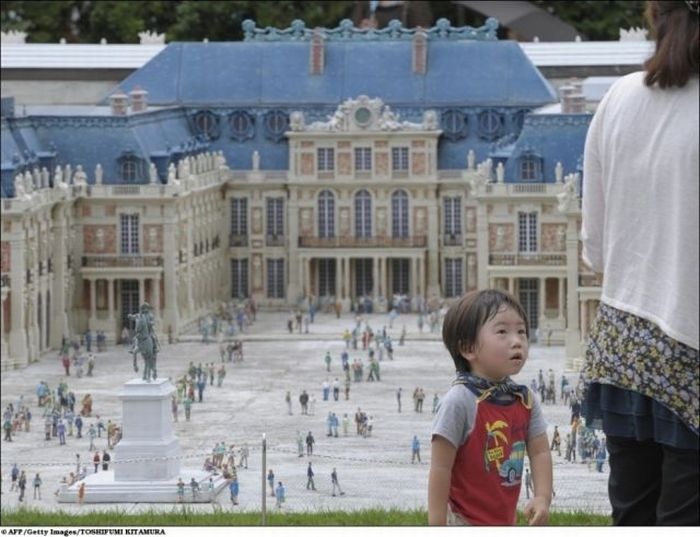World's Attractions in One Place (14 pics)