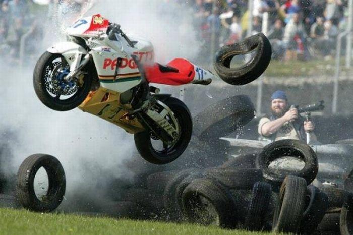 Motorbike Falls (18 pics)