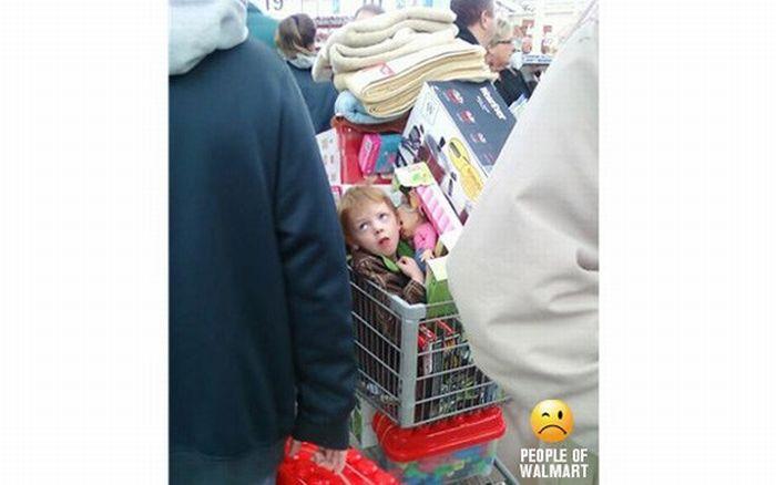 Top 10 Parenting Fails at Walmart (10 pics)