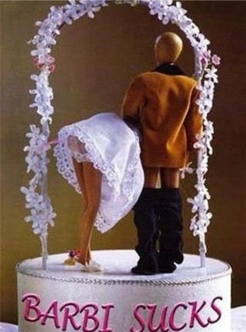 Hilarious Wedding Cake Toppers (18 pics)