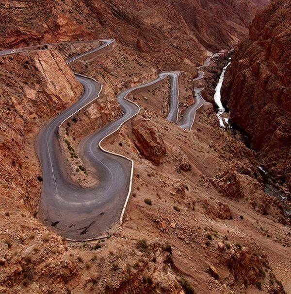 Amazing Roads Around the World (41 pics)