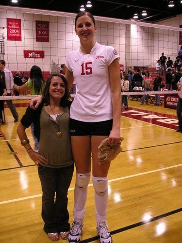 The Tallest Girls of the World (60 pics)