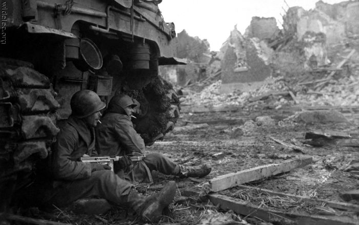 WWII in Photos (99 pics)